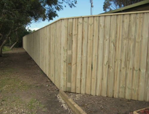 How to make a paling fence – Portland Bay Holiday Park